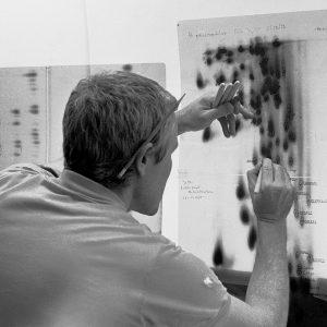 Carl Woese at a lightboard