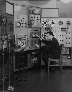Hiller at a computer